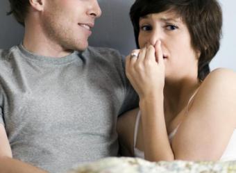 Chlamydia la barbati: cum se manifesta si ce poti face?