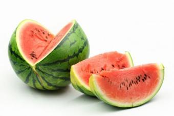Fructe de sezon care te ajuta sa slabesti
