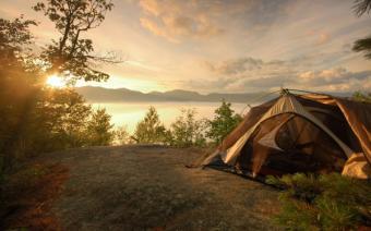 De ce sa mergi cu cortul