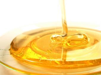 Nu neglija mierea! Beneficiile dovedite ale consumului de miere cruda